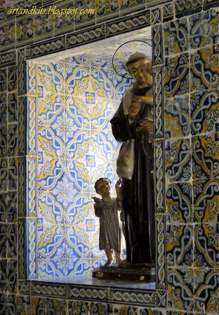 Junho, é o mês das tradicionais festas em honra dos Santos Populares, as quais, são sinónimo de alegria, cor e diversão... / June is the month of the traditional celebrations in honor of the popular saints,  all of them with lots of joy and fun.