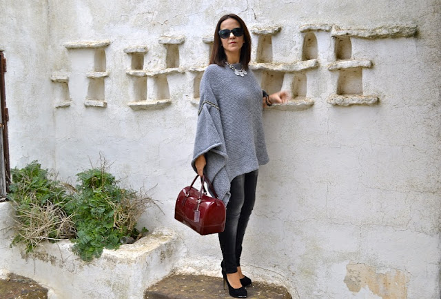 Jersey_Poncho_Outfit_Post_Zara_Str_04