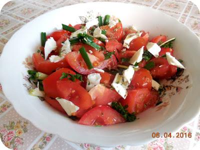 salata de rosii cu ceapa verde