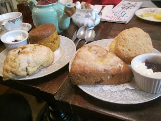 My Date with an English Scone and a German Foodie