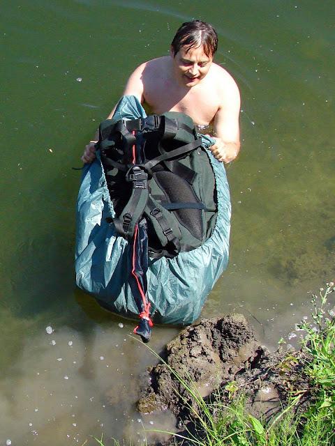 Плавающие рюкзаки