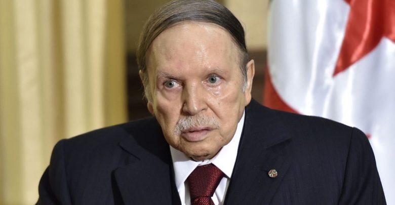 بوتفليقة باق في الحكم حتى بعد انتهاء ولايته