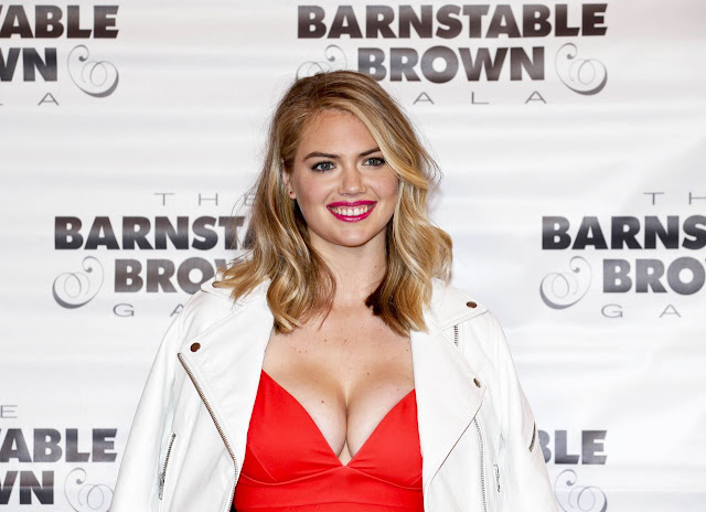 Kate Upton – 2016 Barnstable Brown Kentucky Derby Eve Gala in Kentucky