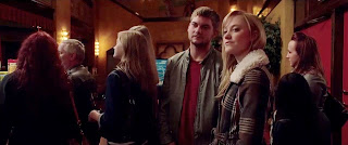 it follows-jake weary-maika monroe