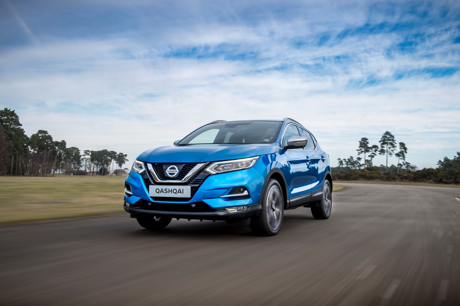 facelifted 2018 nissan qashqai suv gets semi autonomous. Black Bedroom Furniture Sets. Home Design Ideas