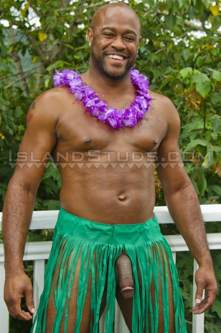 IslandStuds - Tall Bald Black Lamar! IslandStuds