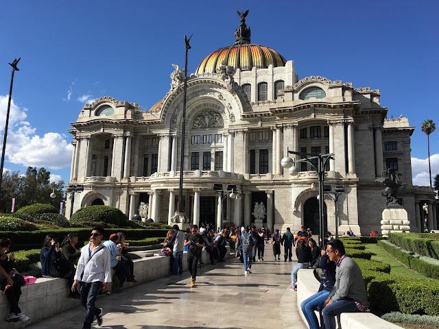 Palacio-Bellas-Artes-sight-seeing-in-Mexico-City-recommendations