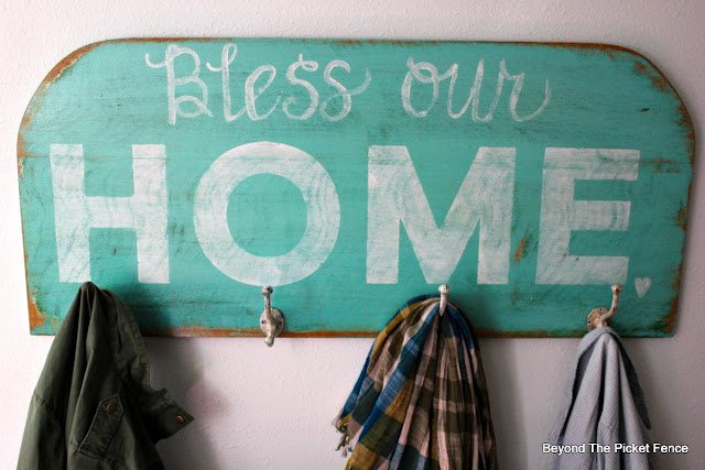 sign, bless our home, coat hook, stencils, hand-lettered, https://goo.gl/N4M3jb