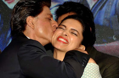 shahrukh-giving-a-deep-kiss-to-deepika