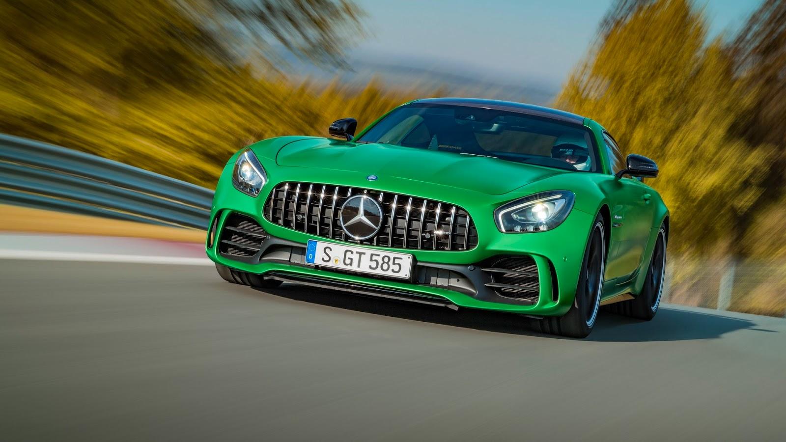 Mercedes-AMGGT-R-3