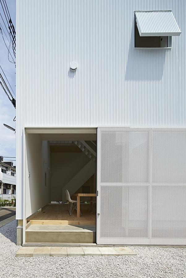 05-A-L-X-Sampei-Junichi-Architecture-Building-that-Envelops-Beauty-www-designstack-co