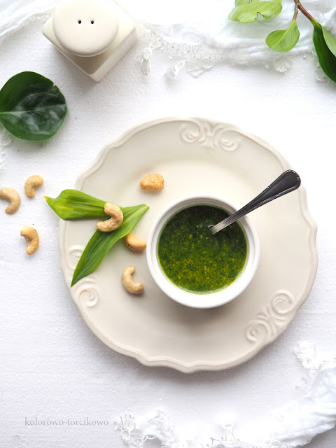 zielone-pesto-z-nerkowcami