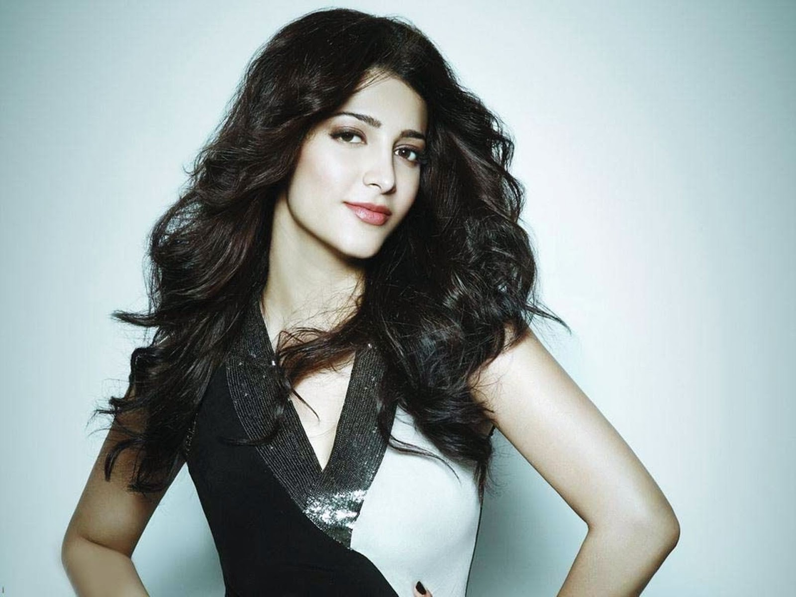 Bollywod And South Actress Shruti Haasan Hot Hd Wallpaper -4469