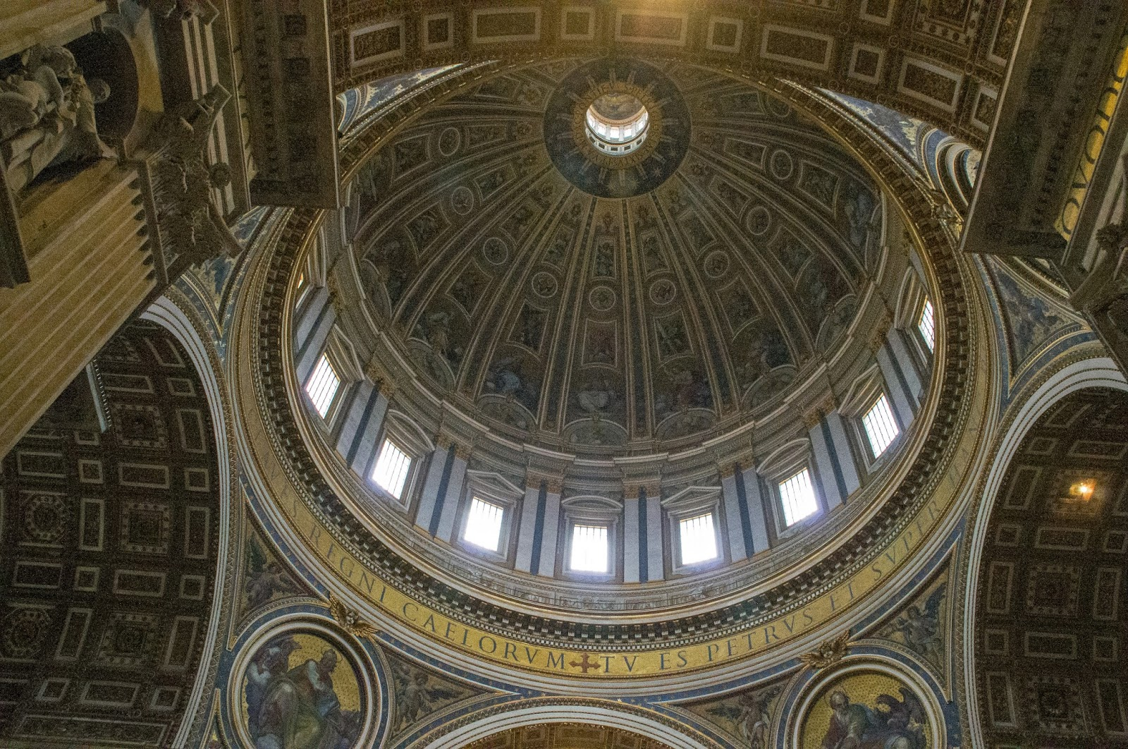 A Full-Day Vatican and Colosseum Tour with City Wonders