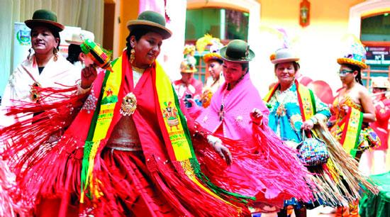 La morenada boliviana retorna al Carnaval de San Francisco
