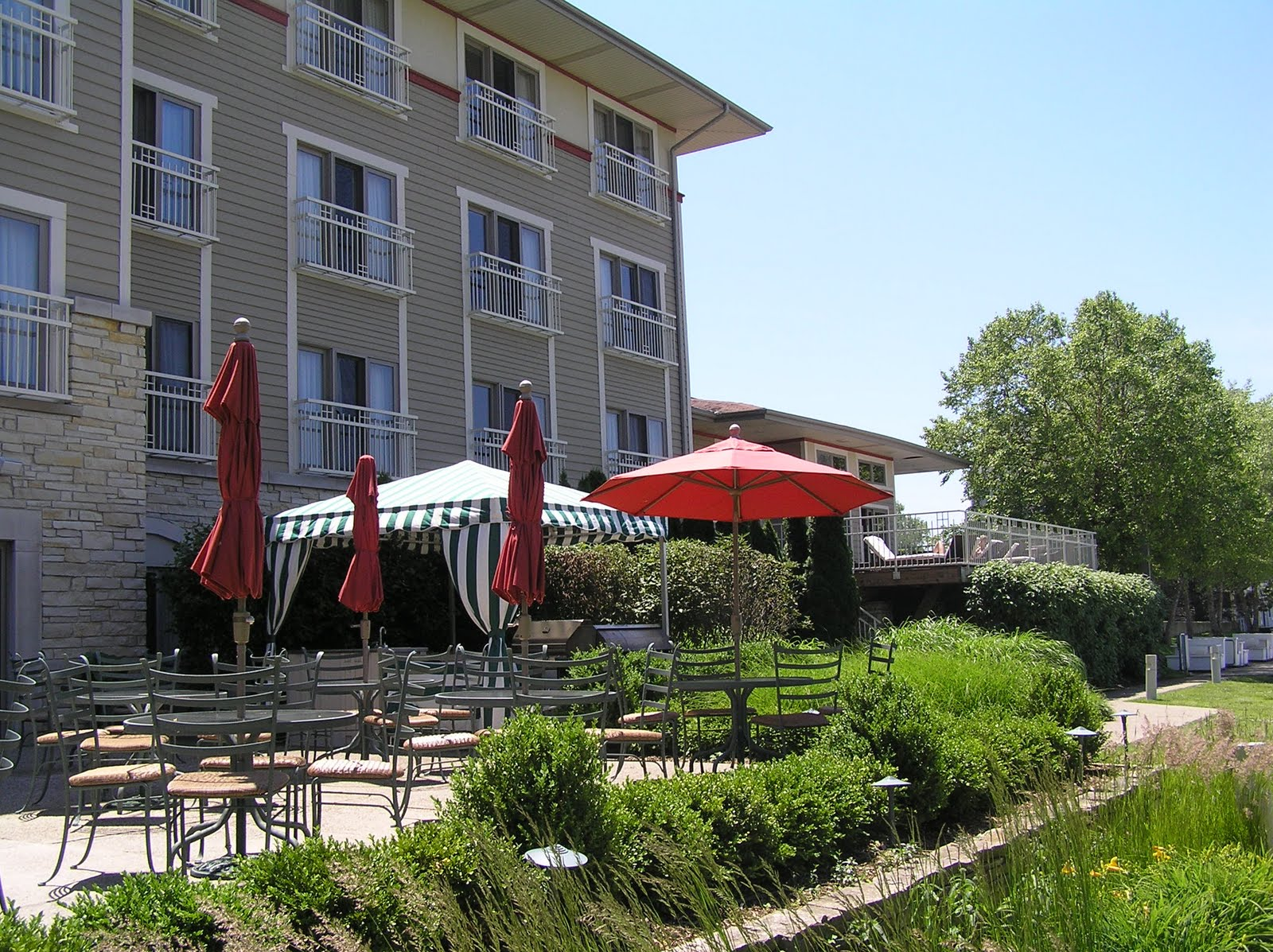 This Charming 55 Room Hotel Overlooks The New Buffalo Marina And Is Just Steps To Town Restaurants A Spectacular Lake Michigan Beach