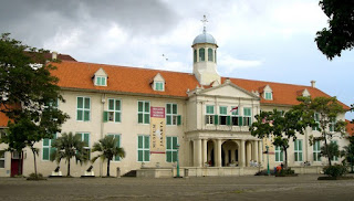 http://www.teluklove.com/2017/04/pesona-keindahan-wisata-museum.html