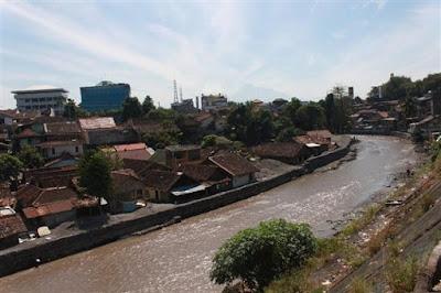 Pola pemukiman mengikuti alur sungai - berbagaireviews.com