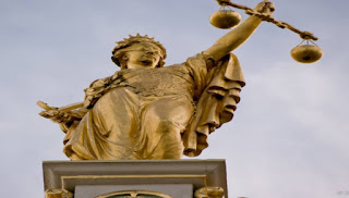 ΟΙ ΔΙΚΑΣΤΕΣ ΚΑΙ ΟΙ ΕΙΣΑΓΓΕΛΕΙΣ ΑΝΕΛΑΒΑΝ ΝΑ ΣΩΣΟΥΝ ΤΗ ΤΙΜΗ ΤΗΣ ΕΛΛΑΔΑΣ... Σφοδρή επίθεση κατά της ΕΕ για παρέμβαση στα εσωτερικά της χώρας από την Ενωση Δικαστών και Εισαγγελέων!