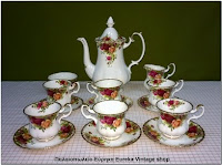 http://www.eurekashop.gr/2016/08/royal-albert-old-country-roses.html