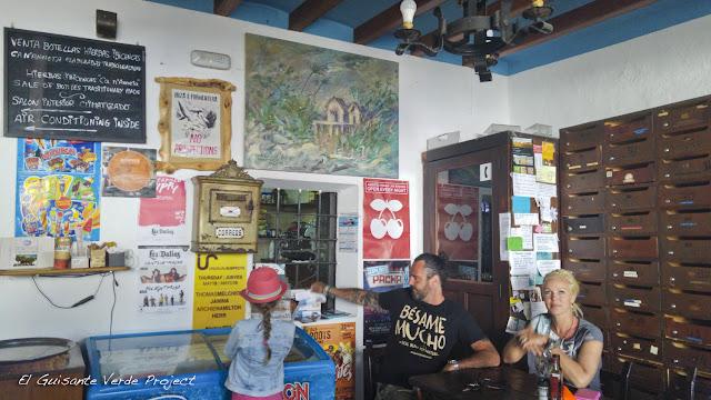 Bar Anita en Sant Carles, Ibiza, por El Guisante Verde Project
