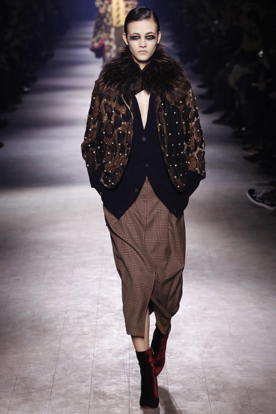 Paris fashion week best collections / Dries van Noten Fall/Winter 2016 via www.fashionedbylove.co.uk british fashion blog