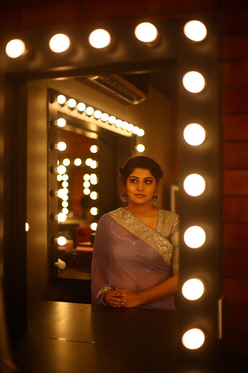 Actress ManjimaMohan Latest HD Images