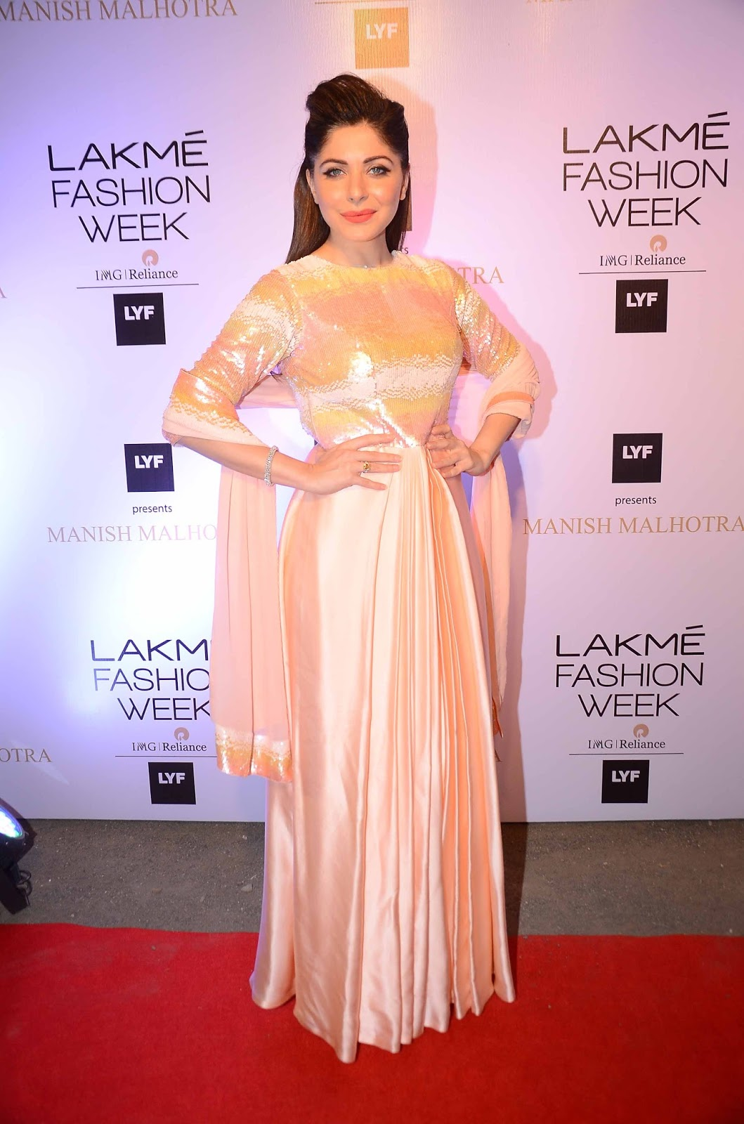 Manish Malhotra Opens Lakme Fashion Week Summer Resort 2016 With Elements Collection In Association With Lyf Smartphones