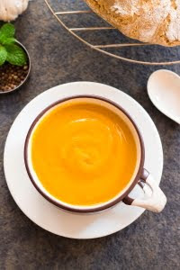 How to make creamy pumpkin soup recipe at www.oneteaspoonoflife.com