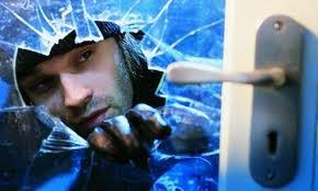 BurglarBreakingIn790.jpg