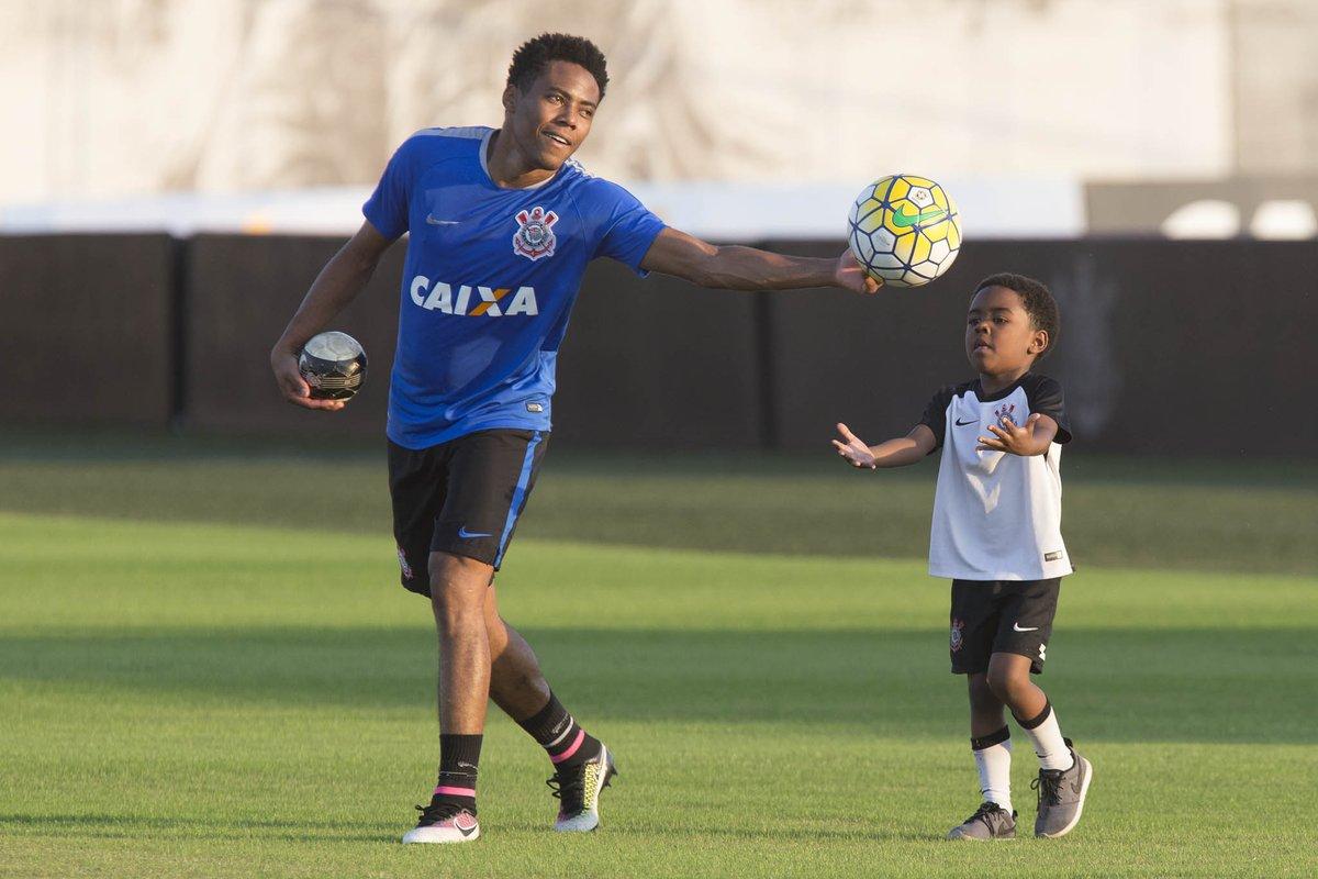 75043605a1  Corinthians x São Paulo - 36 mil ingressos vendidos. Venda segue amanhã no  http   www.fieltorcedor.com.br ingressos e nas bilheterias.  VaiCorinthians
