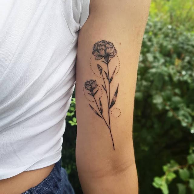 Tatuagens de flores para as mulheres
