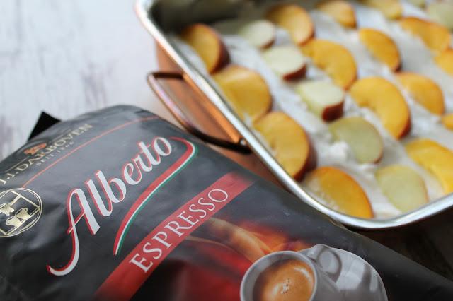 ALBERTO Espresso Pfirsich-Tiramisu a la Mamma Jules kleines Freudenhaus