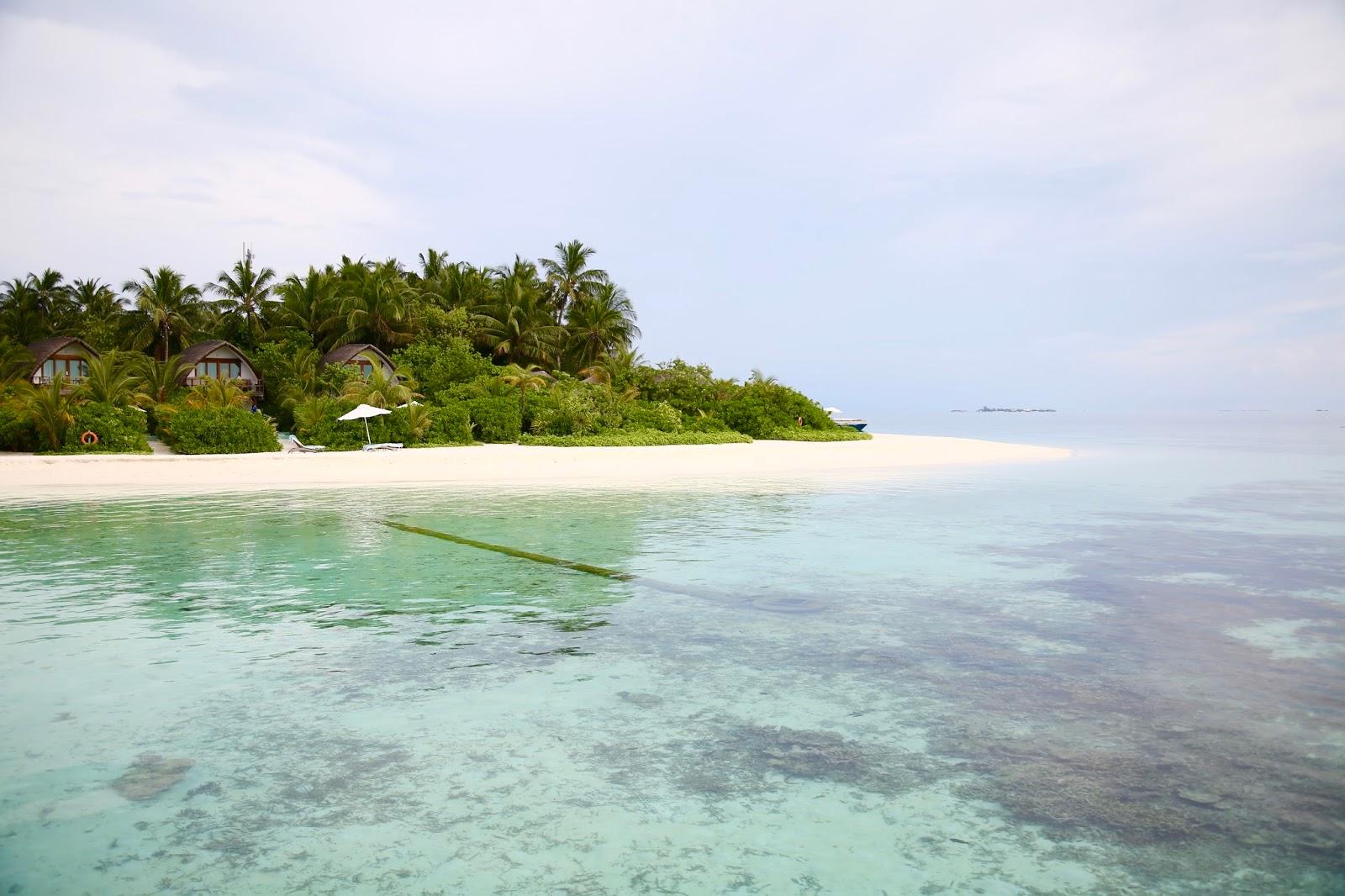 jacuzzi beach villa kandolhu