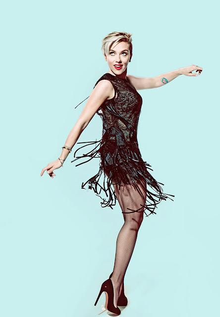 Scarlett Johansson Amazing Legs