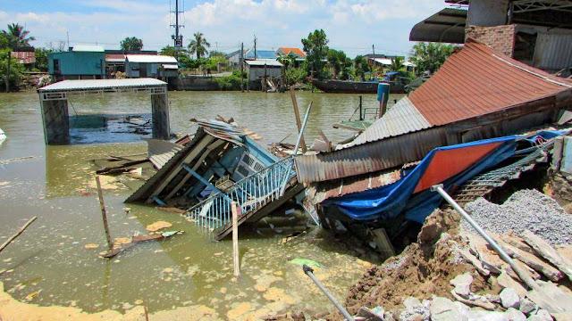 Sạt lở ở Cần Thơ, 4 căn nhà chìm xuống kênh Cái Sắn