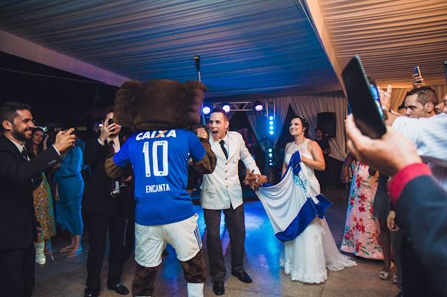Raposão do Cruzeiro chega em casamento no Lupercius Buffet