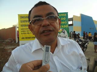 Ronaldo Barbosa sanciona lei de mudança de Regime Trabalhista