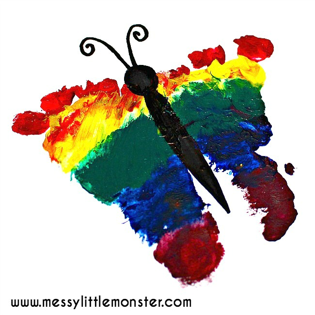 Rainbow footprint butterfly.  A simple keepsake for kids using babies, toddlers or preschoolers tiny feet. This is a great the very hungry caterpillar craft.