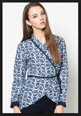 Desain model baju atasan batik wanita