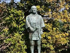 二宮尊徳回村の像