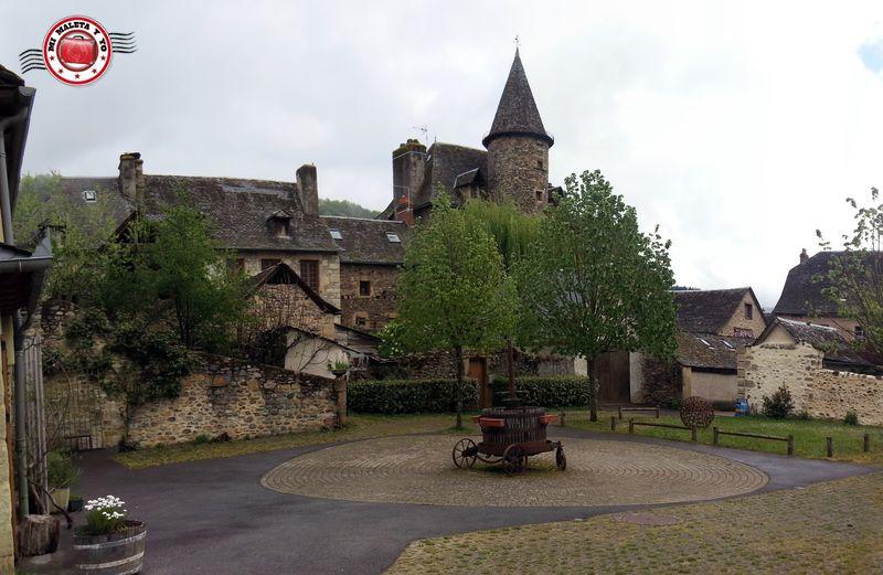 Mi maleta y yo sainte eulalie d olt una bonita villa for Villas francesas