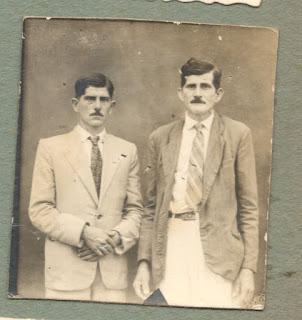 A esquerda meu avô e padrinho materno José Massucatti