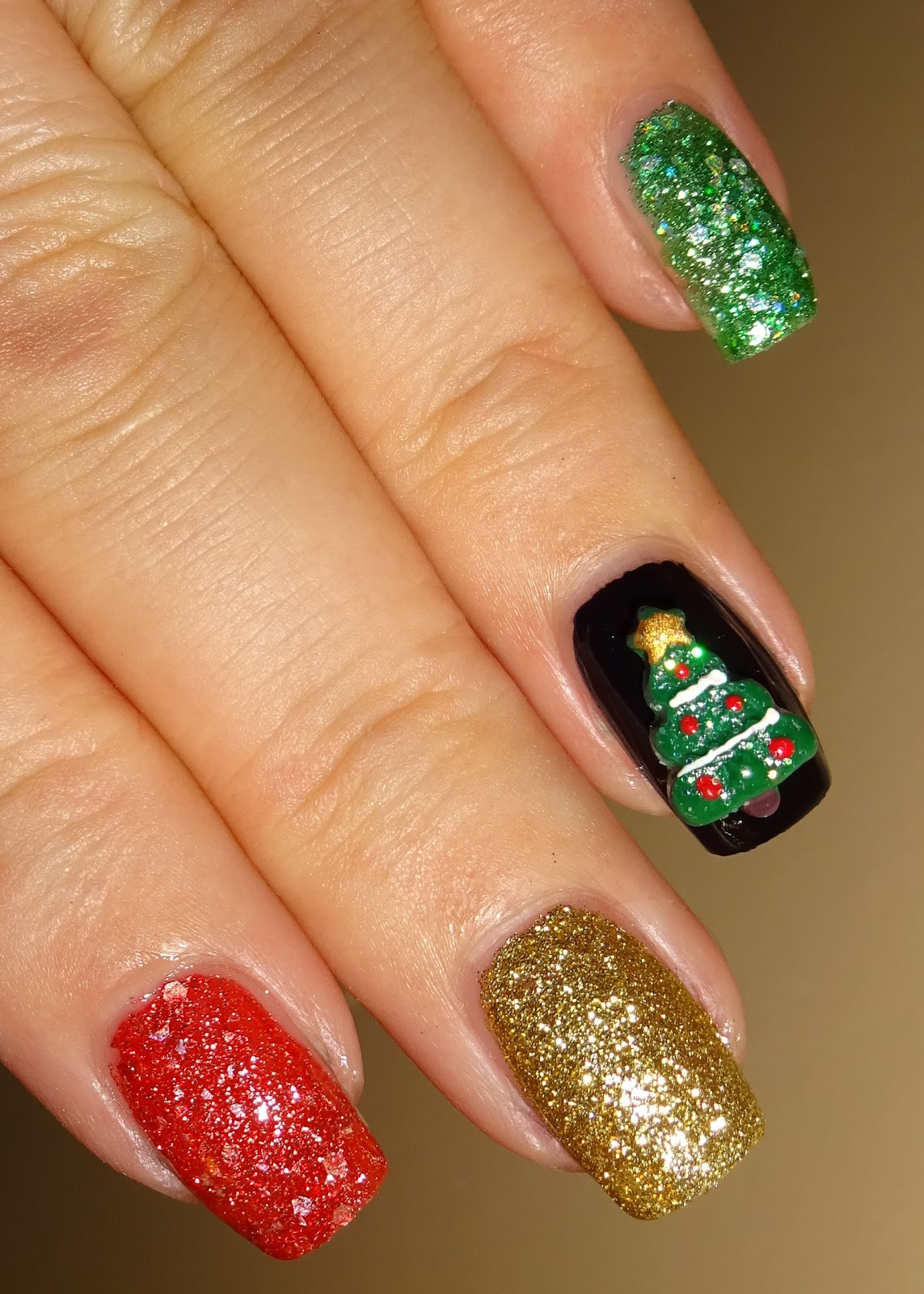 wendy 39 s delights 3d nail art christmas trees from. Black Bedroom Furniture Sets. Home Design Ideas