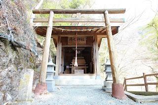 梅ヶ島温泉湯之神社