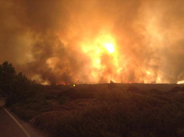 Καίγονται για τρίτη ημέρα τα Κύθηρα (βίντεο)