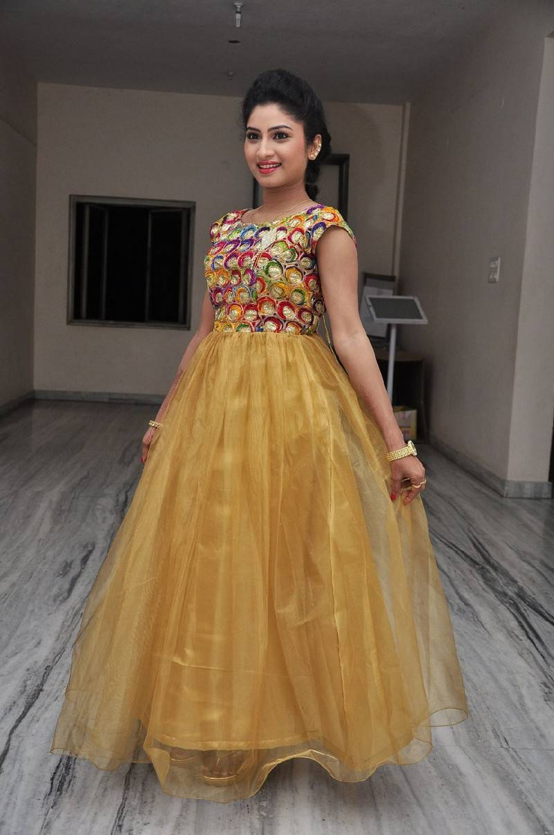Actress Vishnu Priya Stills In Yellow Dress Audio Launch