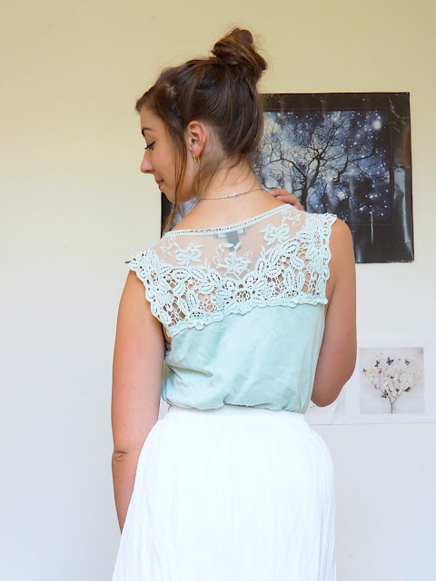 Princess Tiana Disneybound outfit details of pale green lace top and long white skirt