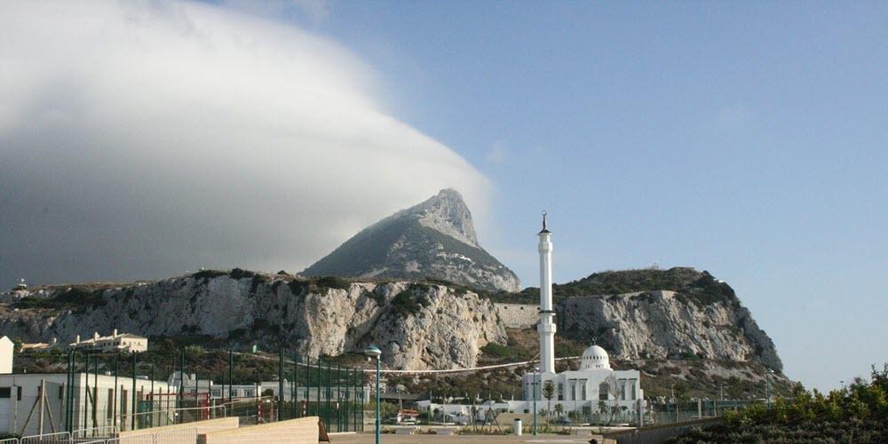"""Trabajadores españoles en Gibraltar temen que Reino Unido """"arrastre"""" a la Roca en su salida de Europa"""