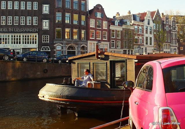 husbåt i Amsterdam